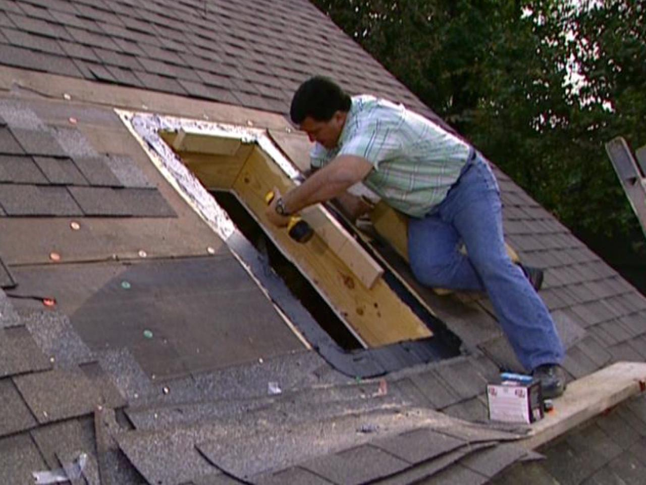 How To Cut A Roof Opening For A Skylight How Tos Diy