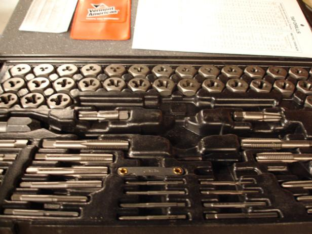 using a tap and die set