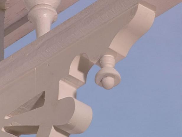 build Victorian porch brackets