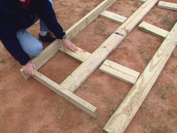 center joist adds stability to the floor frame