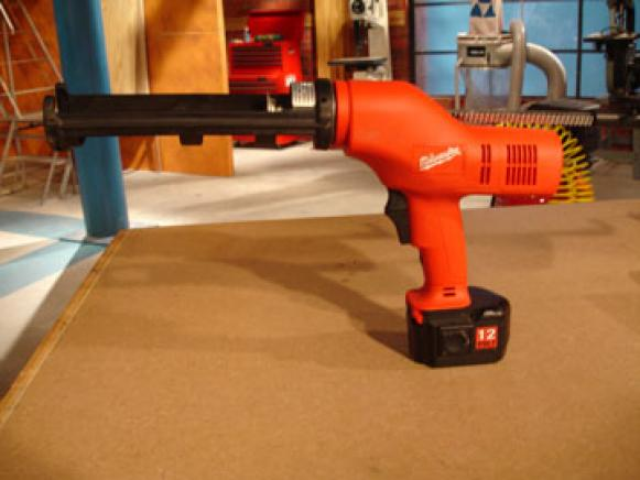battery powered caulk guns move at constant speed