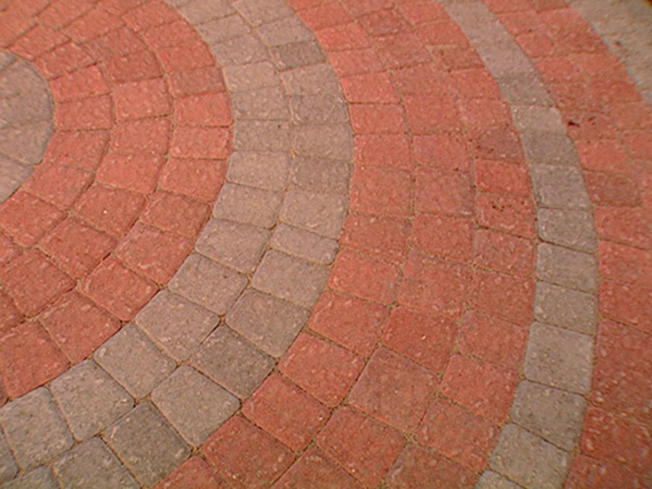 Step 1. How To Lay A Circular Paver Patio