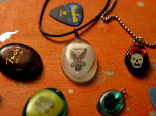 making resin jewelry is rewarding hobby