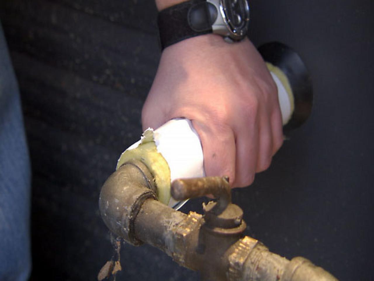 10 Things You Must Know Plumbing Leaks Diy