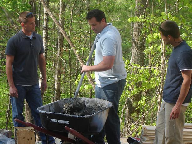 learn correct way to mix mortar in wheel barrow