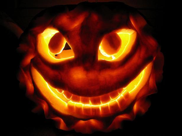 Extreme halloween pumpkin photos diy for Extreme pumpkin carving templates