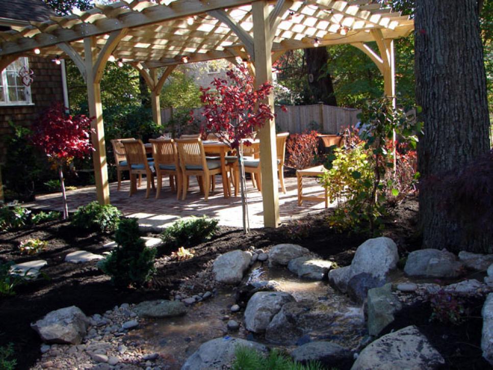 Outdoor entertaining diy for Backyard entertaining landscape ideas