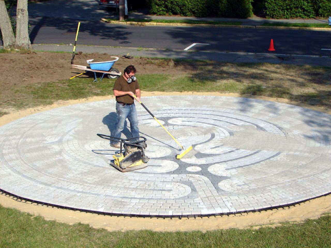 how to make an outdoor garden labyrinth how tos diy