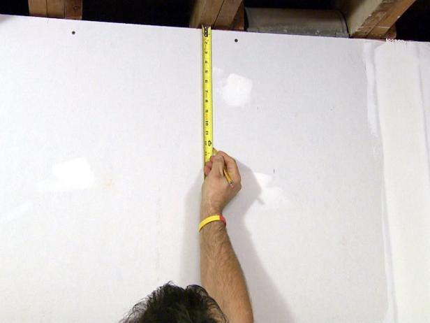 dkim103_soffit-mark-and-measure_s4x3