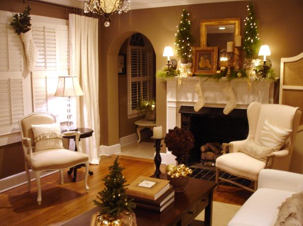 RMS_jenniH-Christmas-living-room_s4x3