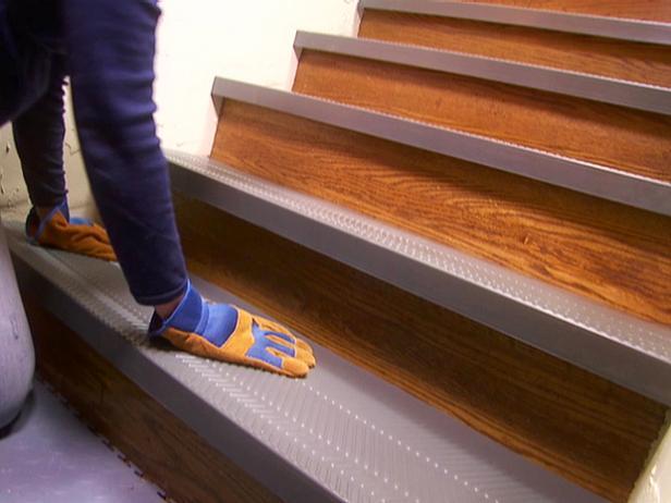 Installing non slip stair treads how tos diy - Escalier beton en kit prix ...