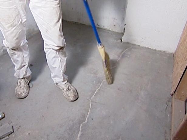 0038707D4_2333_sweeping-crack_cw515