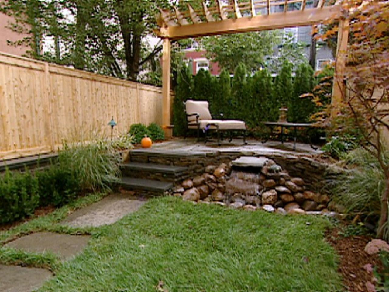 Small yards big designs diy Small backyard garden design