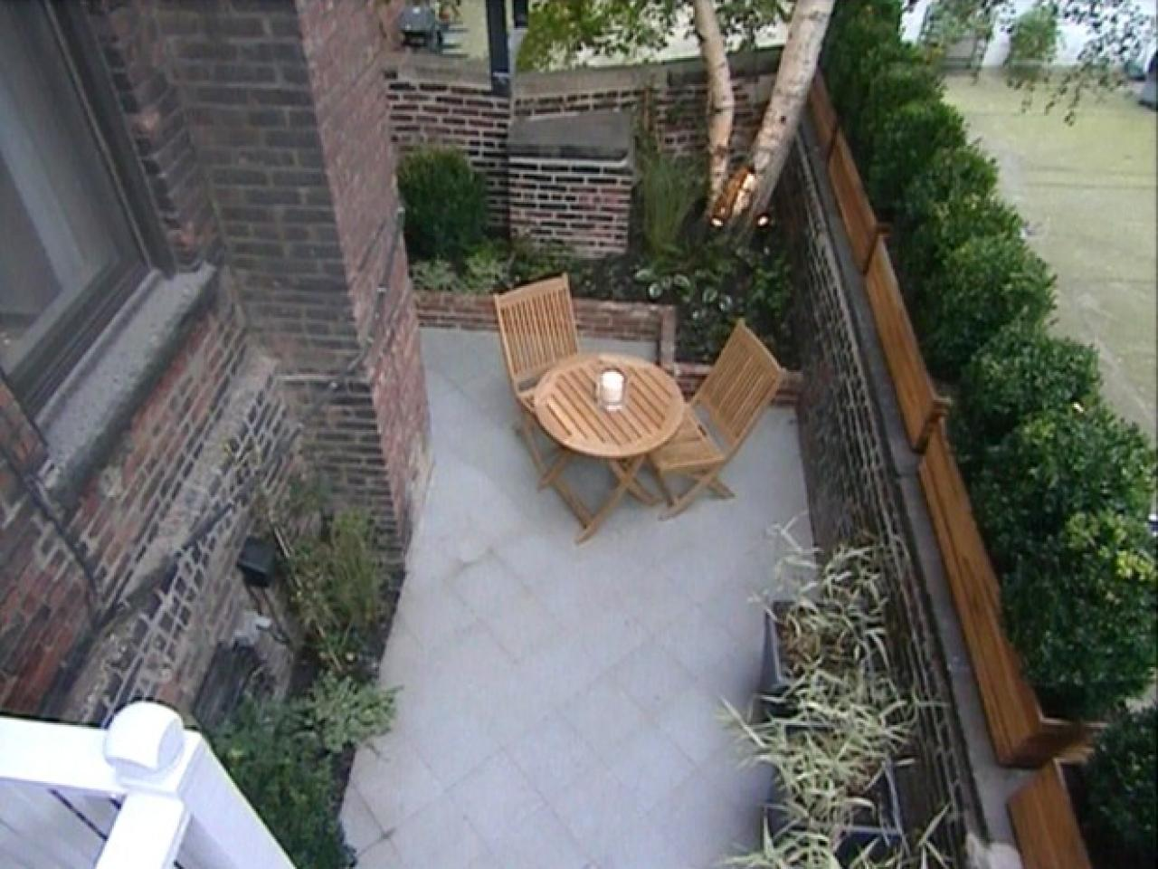 Small Yard Landscaping Mesmerizing Small Yards Big Designs  Diy Inspiration
