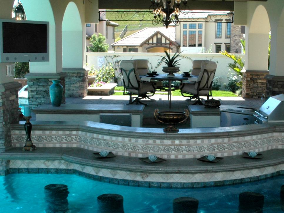 10 designer landscapes diy for Pool design swim up bar