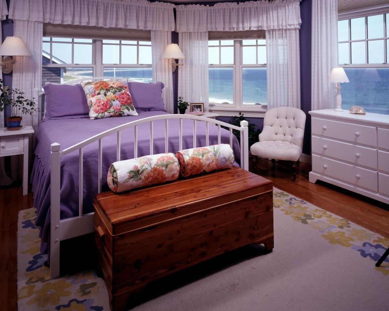5 Grown-Up Purple Interiors | DIY