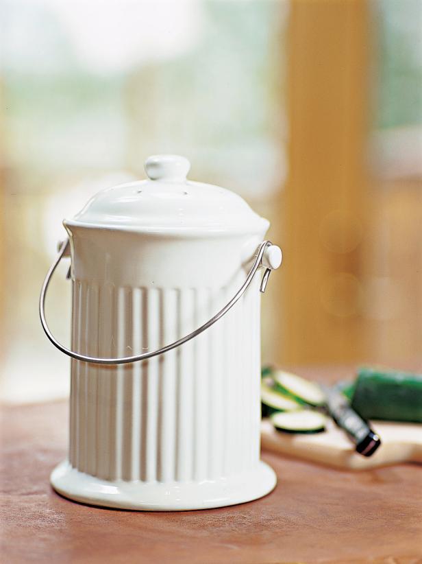 Hachette_013-Gaiam-Kitchen-Compost-Crock