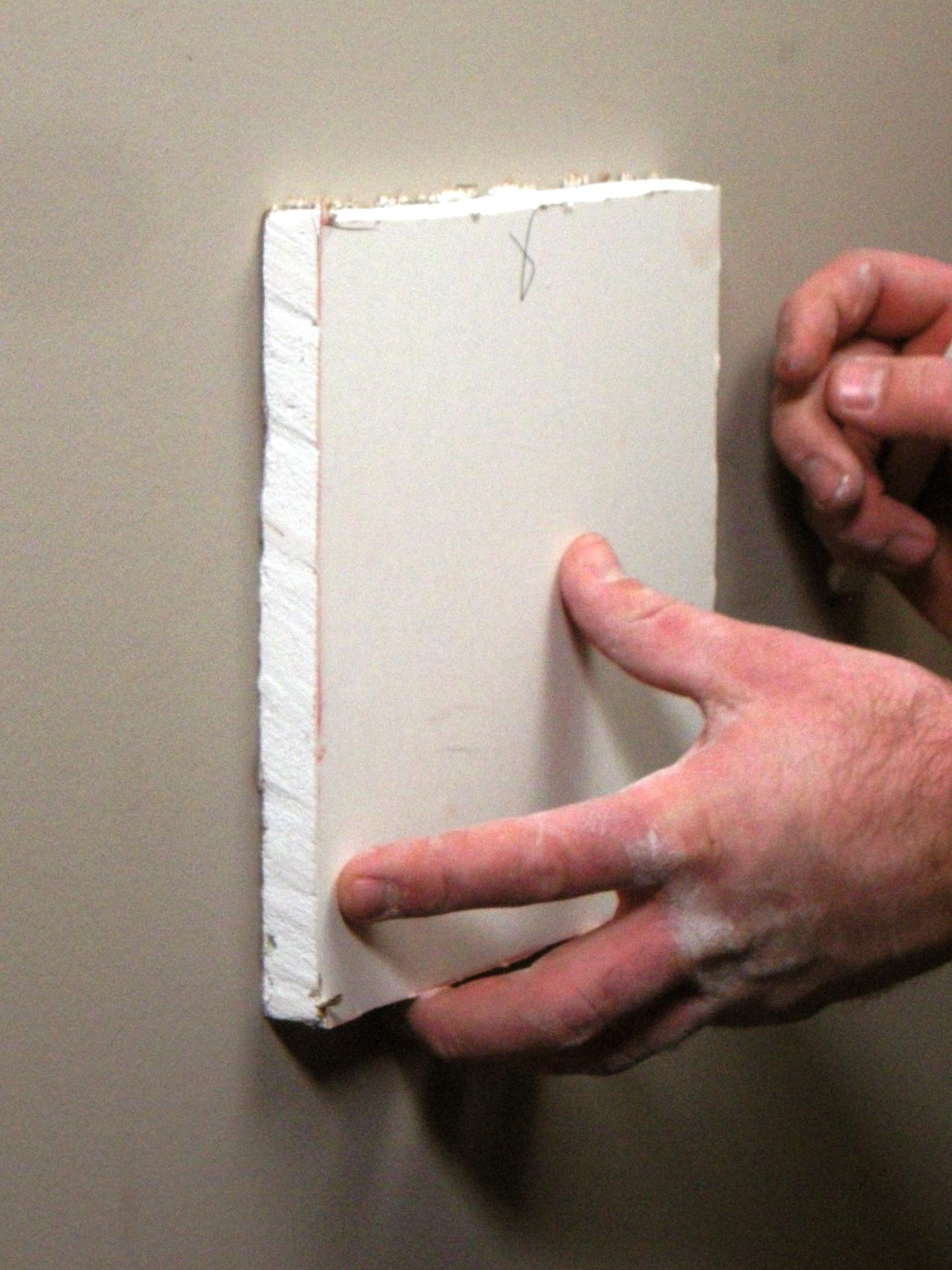 How to repair large hole in drywall - Ultimate How To_drywall Repair Med Hole 03_s3x4