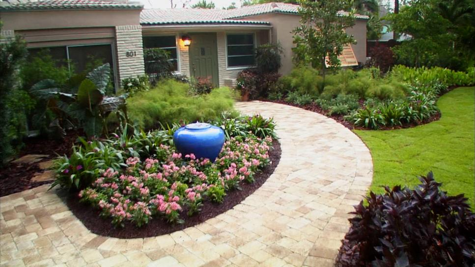 Front yard landscaping ideas diy for Large front garden ideas