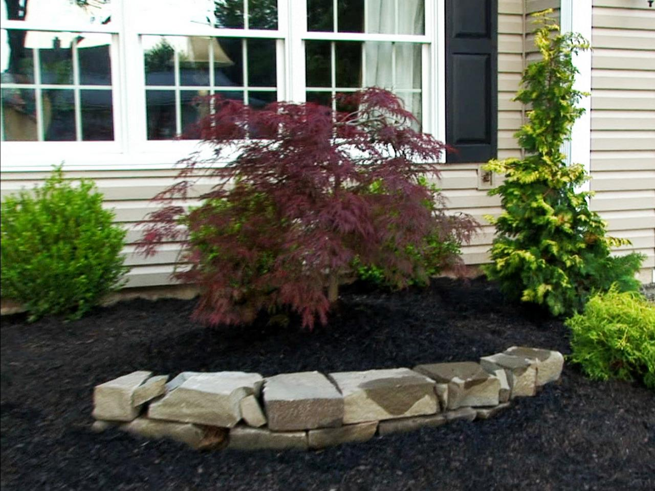 Rock landscaping ideas diy for Front garden ideas
