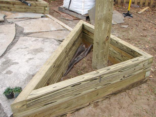 How to Build Triangular Planter Boxes how tos DIY