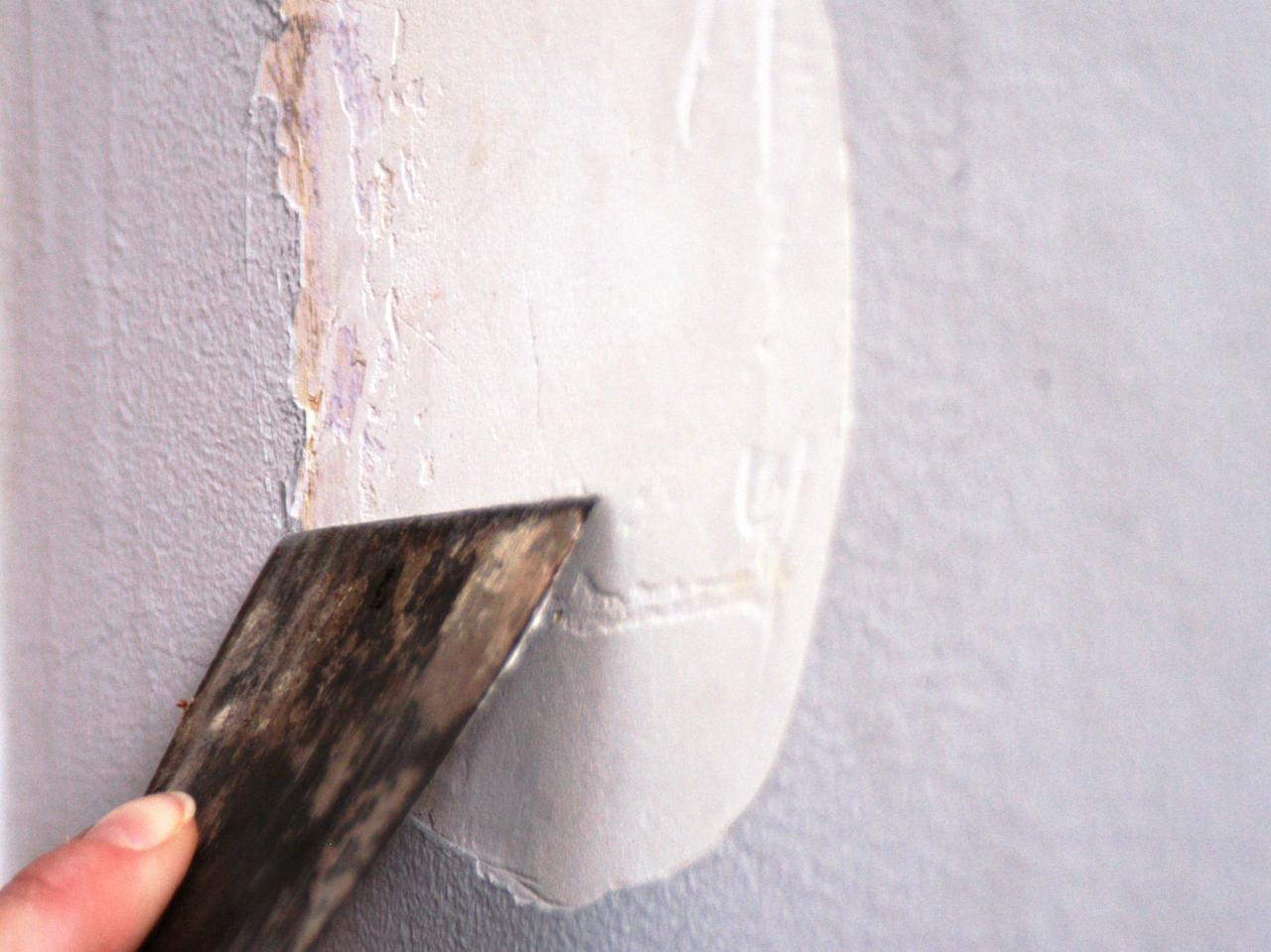 How to paint a room how tos diy for How to paint a dark wall