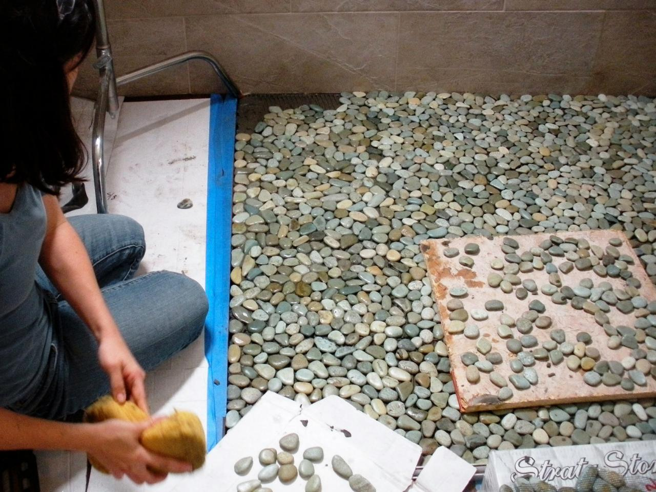 How to Lay a Pebble-Tile Floor | how-tos | DIY