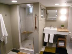 DBTH402_bathroom-wide_s4x3