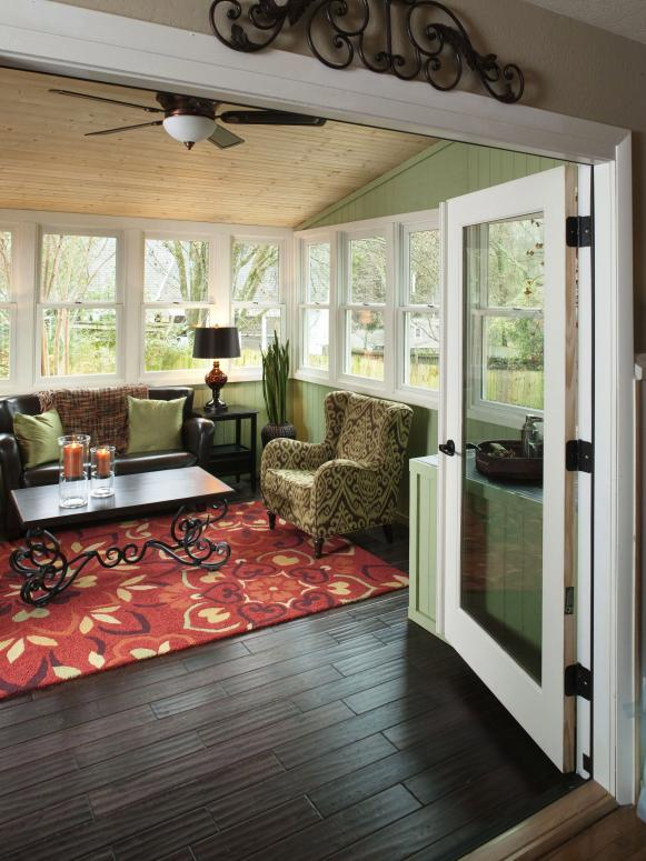 DRMR102_Sunroom-Through-Door_s3x4