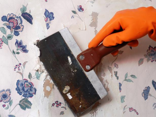 UHT-Wallpaper-Removal_scraping-wallpaper_s4x3