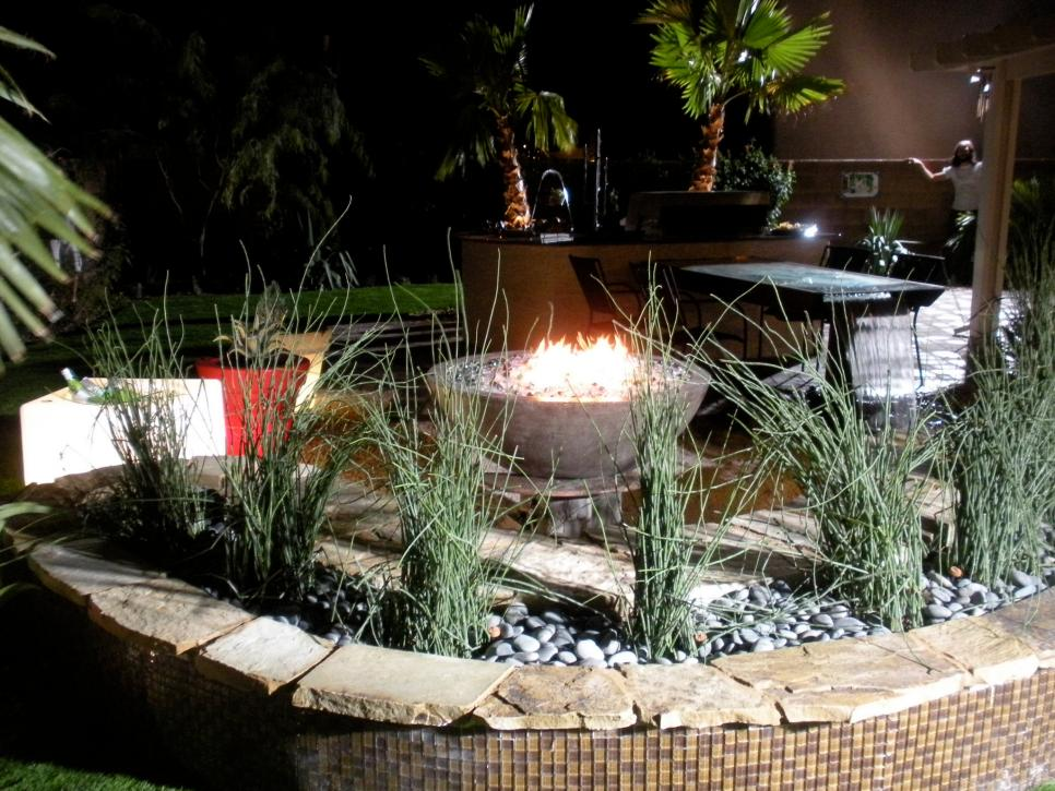 Outdoor fireplaces and fire pits diy for Buy outdoor fire pit