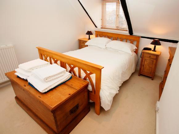 iStock-8339803_Attic-Bedroom_s4x3