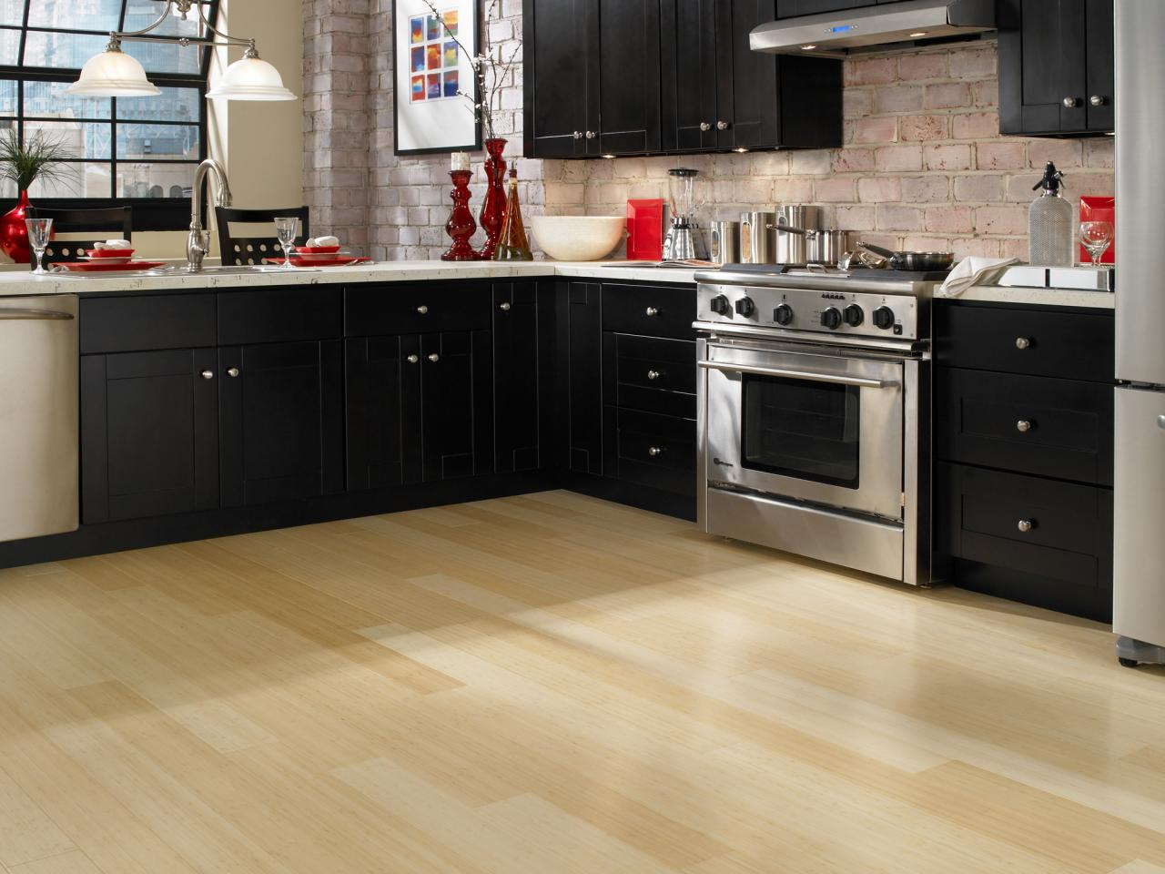 Kitchen flooring essentials diy for Kitchen flooring ideas uk