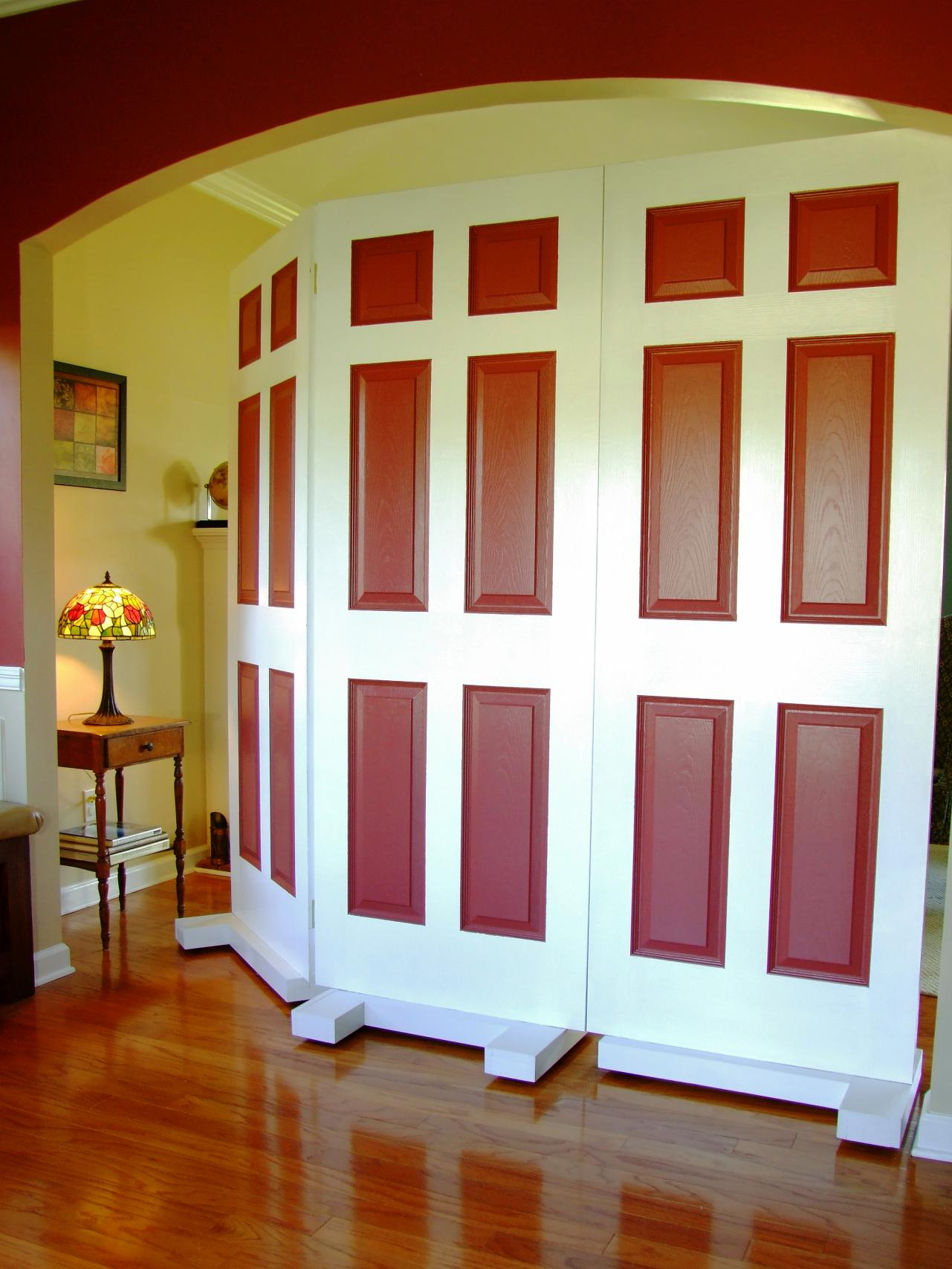 How to build a privacy screen using door how tos diy - How to decorate my room divider ...