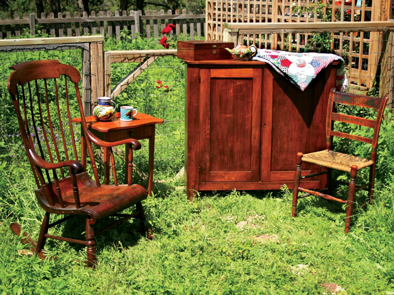 What to look for when buying old furniture diy for Used antique furniture