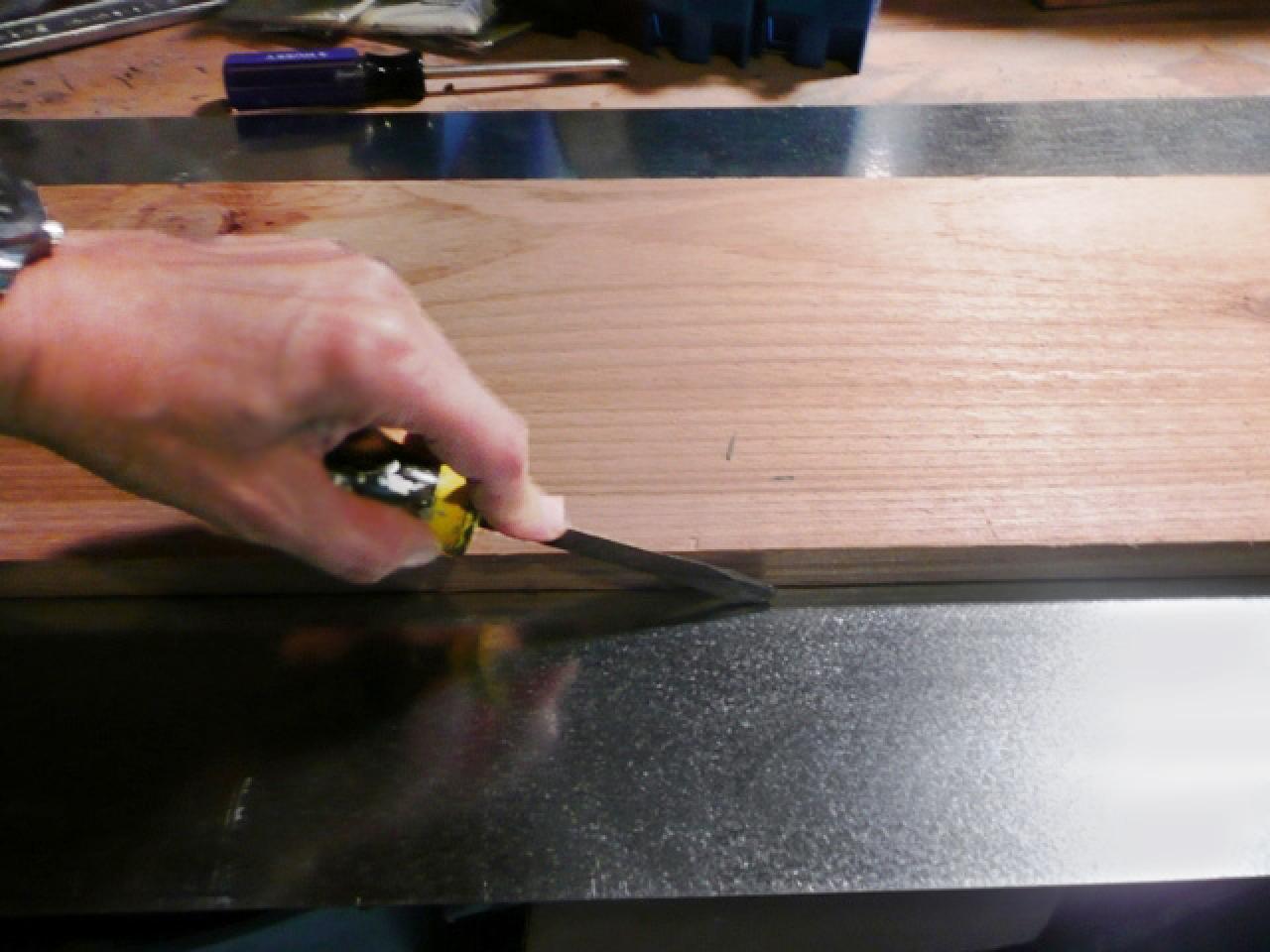 How To Make A Platform Centerpiece For Candles How Tos Diy