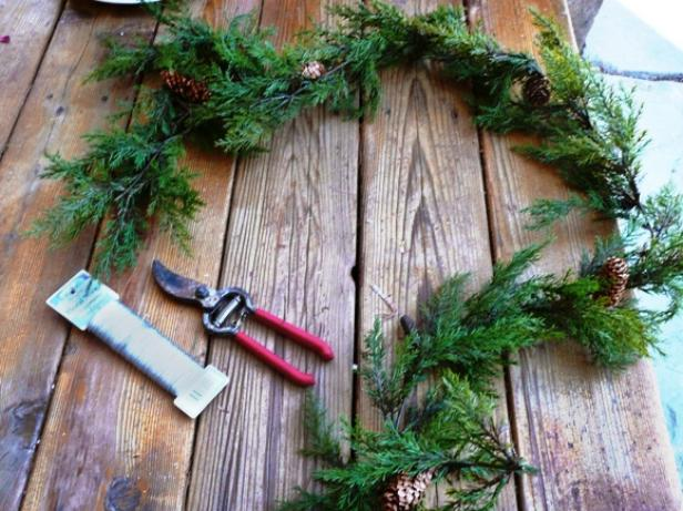 Picket Fence Wreath items
