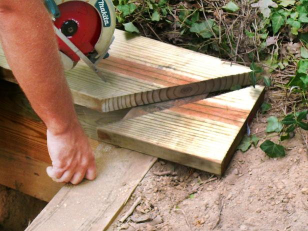 Use a hand saw to cut off any excess in order to make the ends of the wall even.