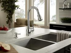 Stainless Steel Faucet And Square Sink In Contemporary Kitchen Island
