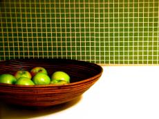 HDTS2613_kitchen-green-tile-green-apples_s4x3