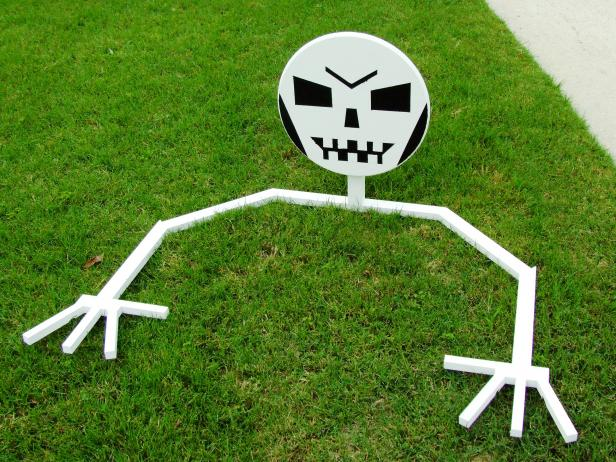 This Halloween, build a few of these creepy, but happy skeletons to fill your front yard. It is an easy woodworking project, perfect for beginners.