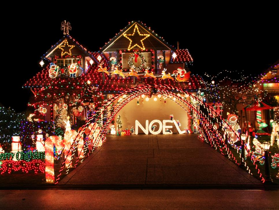 Over the top christmas lighting displays diy for Best christmas vacation ideas