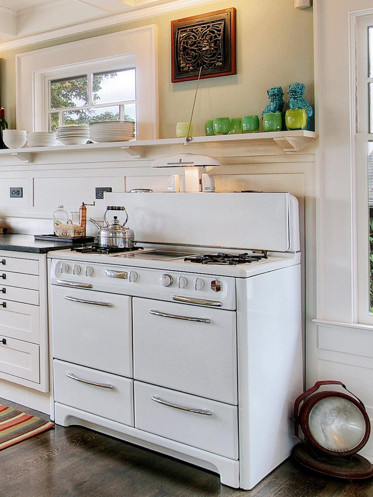 Remodeling Your Kitchen With Salvaged Items Diy