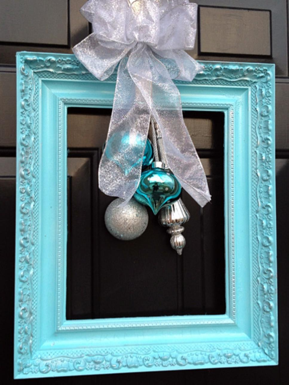 10 Christmas Door Decorations | DIY