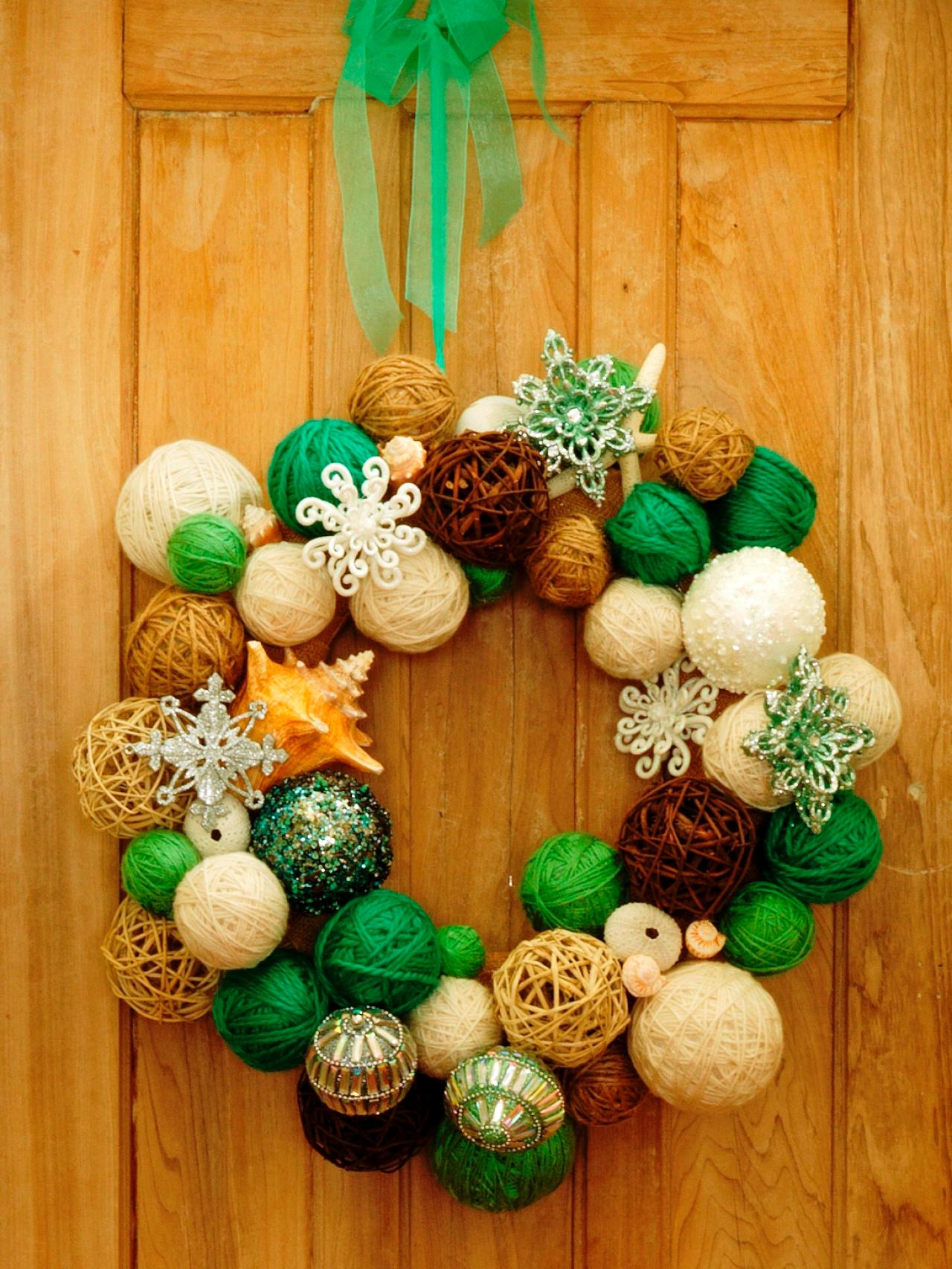 How to make a yarn ball wreath how tos diy How to decorate a wreath