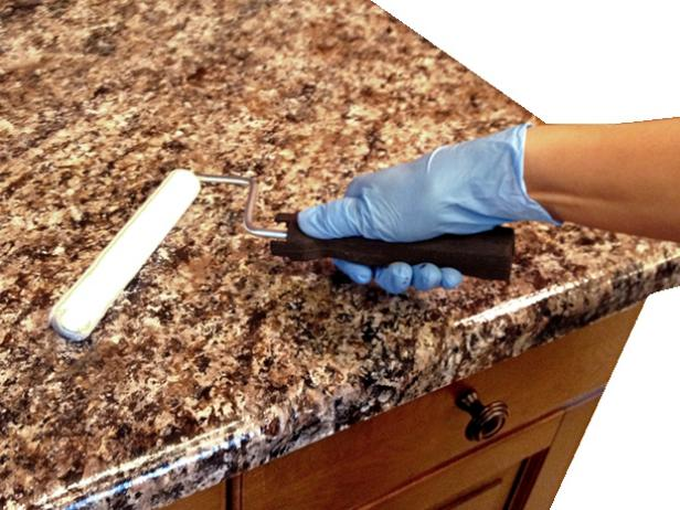 CI-Giani_painted-countertop-step3-sealer_s4x3