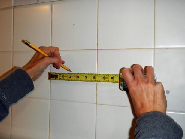 Original-painted-tile-backsplash_measuring-step1_s4x3