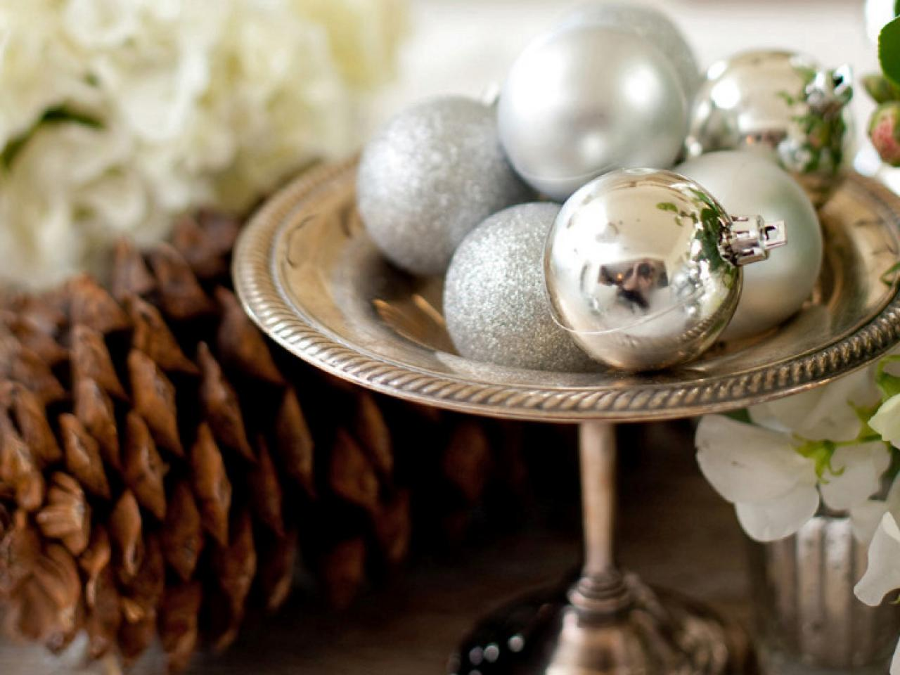 11 Easy Diy Holiday Centerpieces Hgtv 39 S Decorating