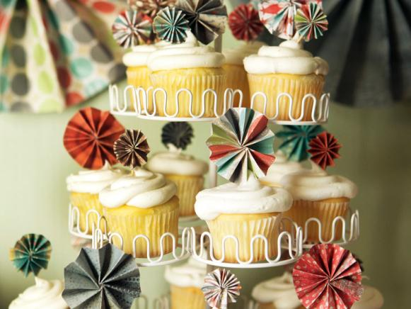 CI-kellan-studios_wedding-cupcake-toppers_s3x4