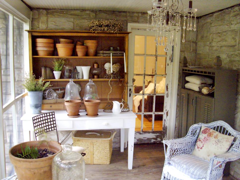 Shabby chic decorating ideas for porches and gardens diy Cottage porch decorating ideas